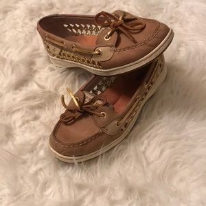 Sperry size 7M